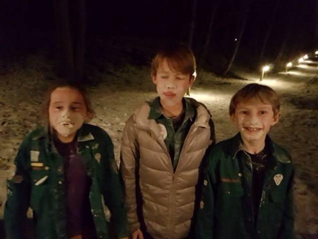 Freya, CA og Markus, med mel i hele ansigtet