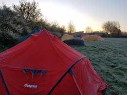 teltene søndag morgen